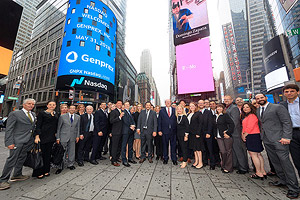 The ringing of the Nasdaq Bell event photo 4